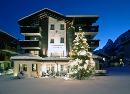 Exterior of Hotel Mirabeau at Zermatt.