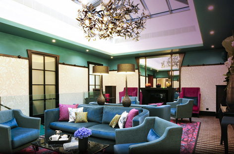 Tiffany Hotel lounge.