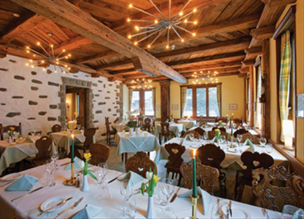 Restaurant in Hotel Allalin at Saas Fee.