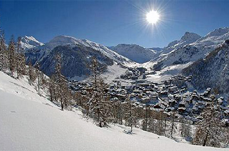 Slope and chalets at Val d'Isere.