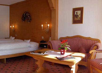 Schweizerhof-Room2
