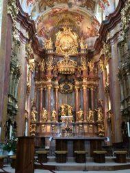 melk-cathedral-altar2